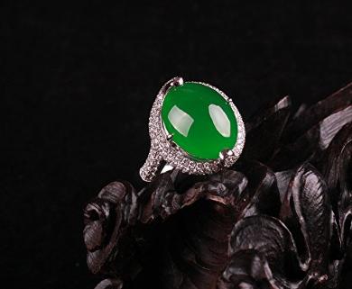 翡翠�嵌戒指款式 翡翠�嵌戒指常�4大款式及特�c