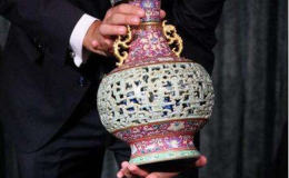 欧洲老妇闲置中国花瓶拍得6300万 收藏价值分析