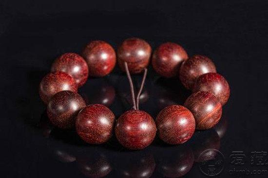 海南黄花梨和小叶紫檀谁贵 作用及功效