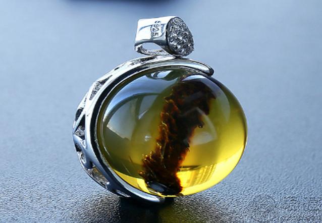 天然琥珀值多少钱 天然琥珀最新价格