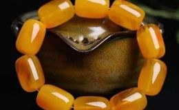 蜜蜡是玉石的一种吗   蜜蜡和玉的区别