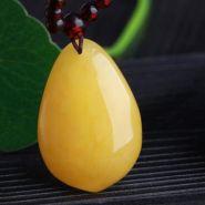 飄花蜜蠟和蜜蠟哪個好  怎么挑選好的蜜蠟