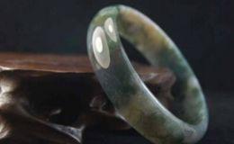 玛瑙手镯越戴越浑浊 这是什么原因