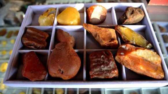 蜜蜡原石一克多少钱 如何买到好的原石