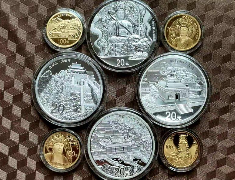 1982年熊貓金套幣回收價格 1982年熊貓套幣4枚回收價格