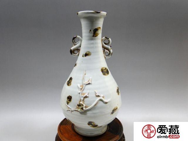元 卵白(枢府)釉点褐彩双耳瓶