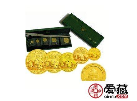 2013年熊猫金币5枚套币
