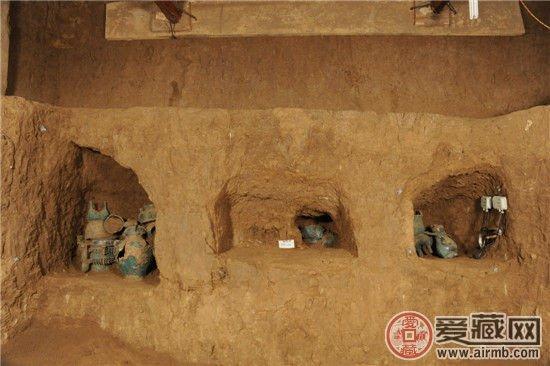 考古发现:宝鸡石鼓山西周墓地挖出大量青铜器