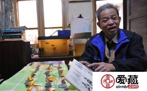 古稀老人15年收藏180枚古钱币