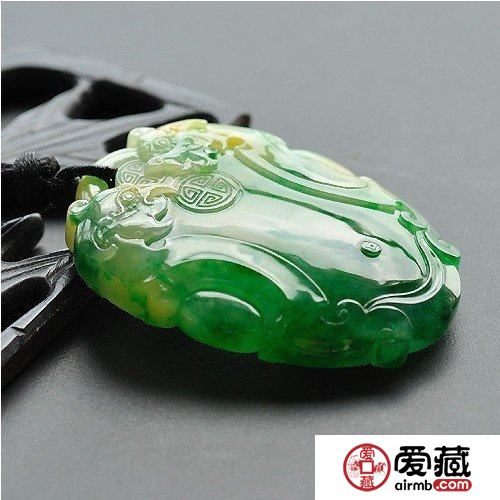 香港翡翠市场价贵难脱手