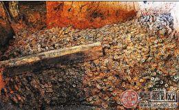 南昌汉墓两吨多古钱打包清运 造型保持原始状态