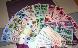 人民币500元詹德成属第一套非凡意义的钱币之一
