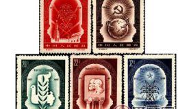 纪44 伟大的十月社会主义革命四十周年有什么特点
