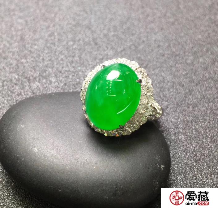 翡翠跟钻石怎样搭配好看?