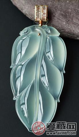 如何区别玻璃种翡翠和冰种翡翠?冰种翡翠市场价知多少