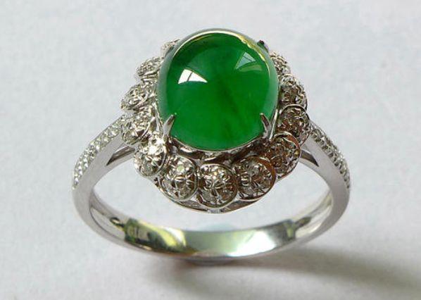 玻璃种翡翠戒指的成本只要几十块钱 玻璃种翡翠戒指价格