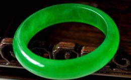 玻璃种帝王绿手镯激情乱伦 玻璃种帝王绿手镯价格