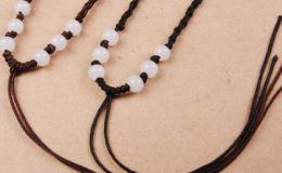 翡翠吊坠绳颜色怎么搭配 翡翠吊坠怎样搭配挂绳