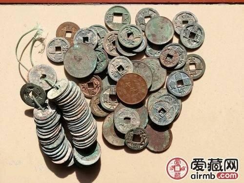 古钱币收藏价值的决定因素是什么?来看看你就明白了!