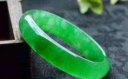 翡翠的绿色等级分类有几种 这种绿你一定很少见