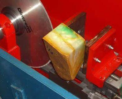 翡翠的切割方法:怎么在充分完美切割翡翠