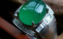 翡翠戒指男款 受欢迎的翡翠戒指男款