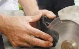 翡翠原石怎么開料 翡翠開料有講究