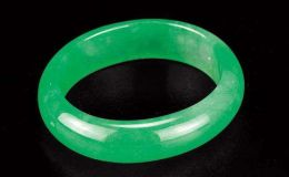 翡翠的绿色是怎样形成的