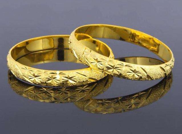 国际期货开户代办黄金手镯多少钱 一个黄金手镯价格贵吗