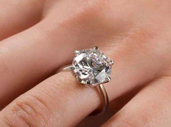 两克拉钻石价格多少 两克拉钻石价格表2019