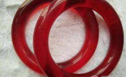 满红色翡翠手镯可以佩戴吗   选购满红色翡翠手镯需谨慎
