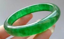 满绿翡翠手镯购买 满绿翡翠手镯选购方法