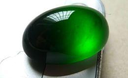 什么是墨绿色翡翠 墨绿色翡翠好不