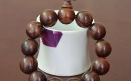 紫檀柳手串如何盘玩,紫檀柳手串盘玩方法