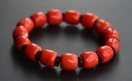 红珊瑚手串如何搭配,红珊瑚手串多少颗有讲究