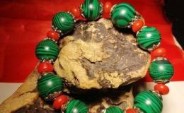 孔雀石手串有什么寓意,孔雀石手串的象征意义是什么