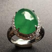 冰种水润满绿蛋面翡翠戒指