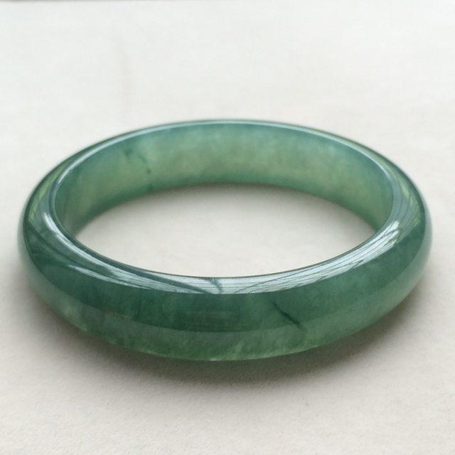 冰油种满绿翡翠手镯  缅甸天然翡翠手镯 尺寸:56.3*13.1*7.5mm