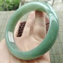 A货翡翠冰油满绿正装手镯57mm