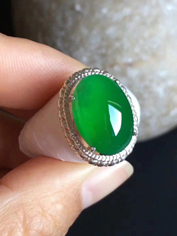 14.6-10.4-5寸老坑冰种 正阳绿色 缅甸天然翡翠戒指