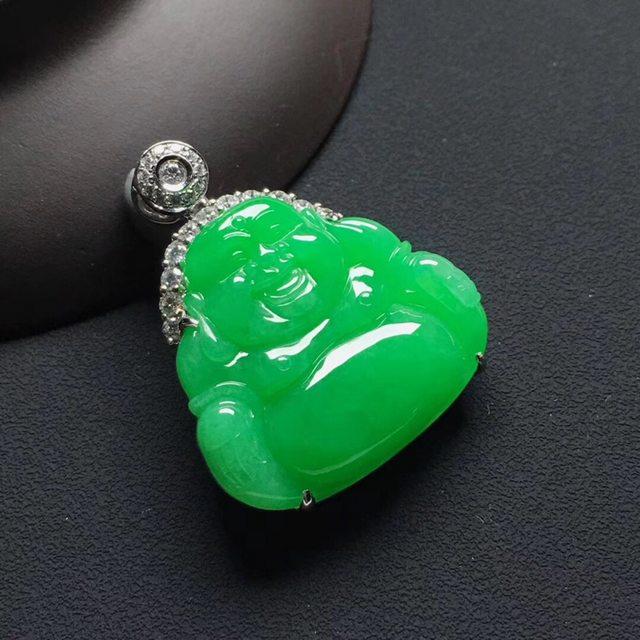 冰种阳绿翡翠吊坠笑佛 尺寸:32.8-27-8.6