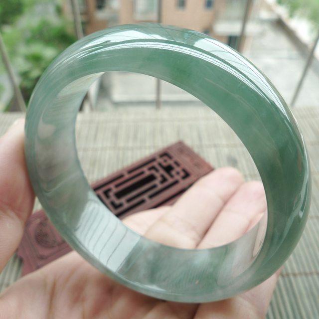 冰油淡绿宽边正装翡翠手镯:57.8mm