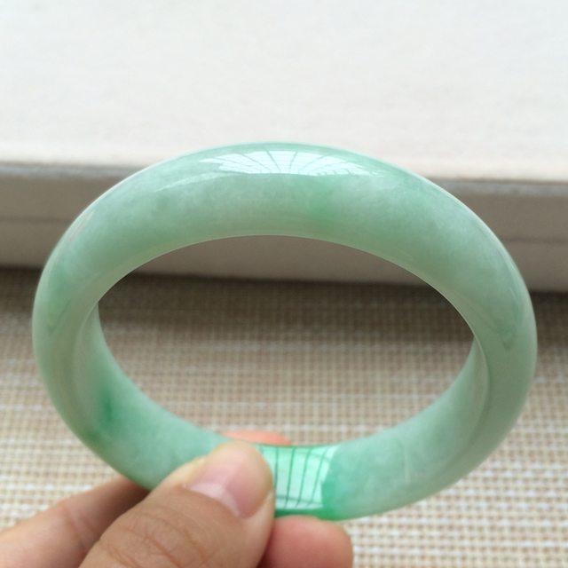 糯种阳绿翡翠手镯 翡翠天然手镯 尺寸:57*14.1*7.6mm图5