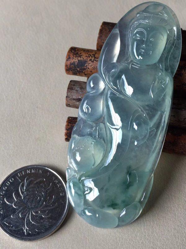 冰飘花观音 翡翠挂件 尺寸73.5*29.8*6.8
