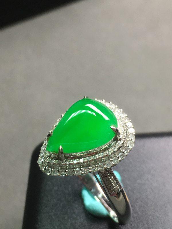 冰种阳绿水滴 翡翠戒指 色泽艳丽