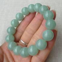 精雕淺綠圓珠翡翠項鏈 規格 13.4*16顆