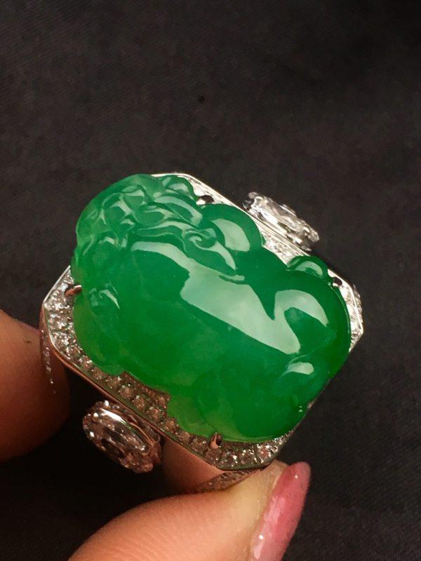 糯冰满绿貔貅男款翡翠戒指
