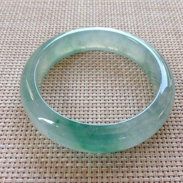 冰种飘绿翡翠手镯  缅甸天然翡翠手镯 尺寸:54.5寸