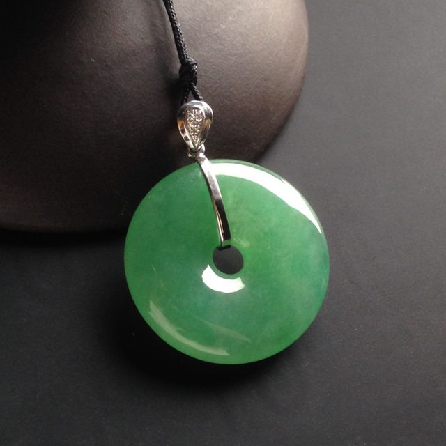 冰种阳绿平安扣 翡翠挂件 尺寸24-24-6mm