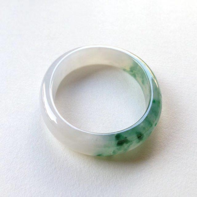 冰润阳绿翡翠贵妃镯 尺寸 53.4-45-11.5-6.6mm